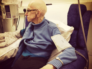 is_151113_chemotherapy_elderly_cancer_800x600
